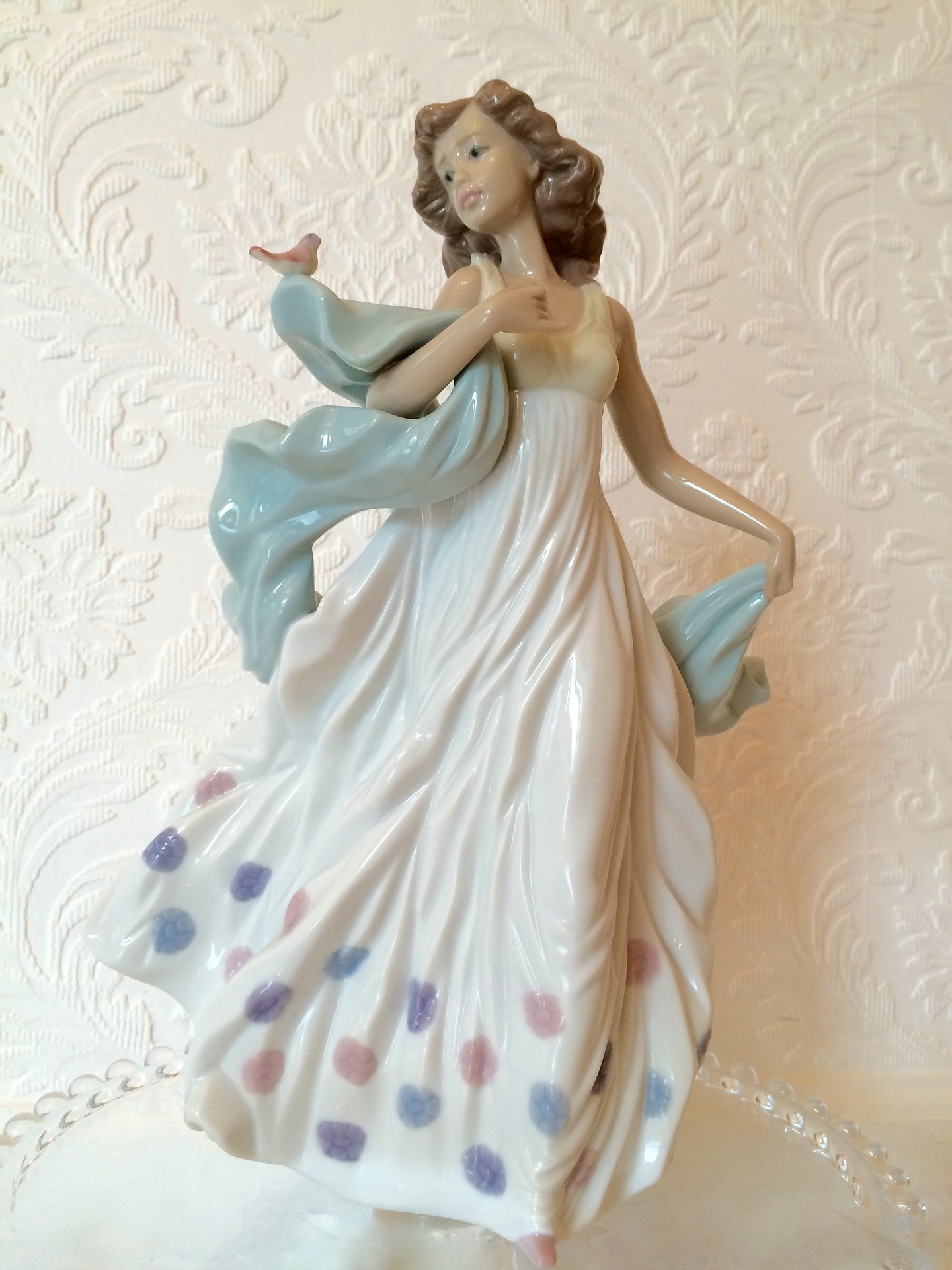 Lladró handmade porcelain figurine